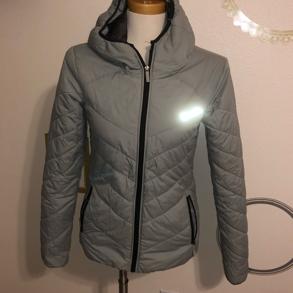 Bench hooded gray jacket